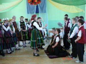 Błogosławieństwo młodych podczas inscenizacji wesela