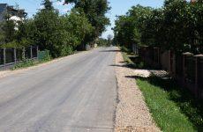 Więcej o: Przebudowana droga w Polanach-Kolonii oddana do użytku!