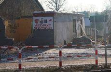 Więcej o: Rozbiórka gminnego budynku na placu